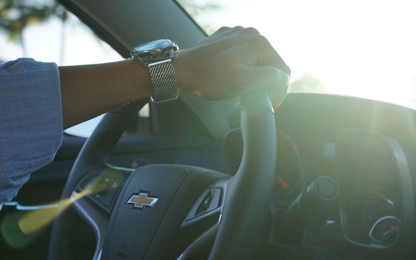 car-driver-steering-wheel-chevrolet-chevy-speedometer-driving-pexels